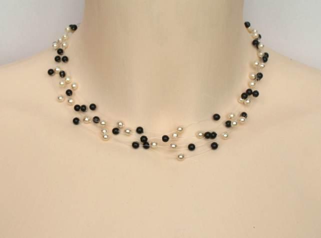 Collier mariage en perles nacrées en noir et ivoire