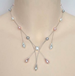 Collier_mariage_blanc_rose_et_gris_strass