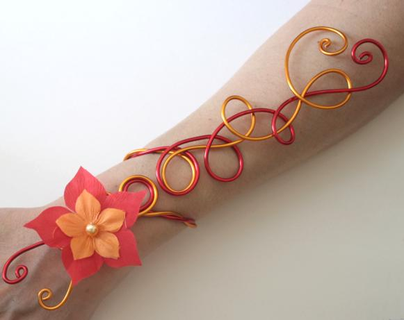 Bracelet mariage aluminium rouge jaune safran fleurs