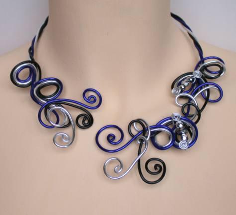 Collier aluminium noir bleu argent