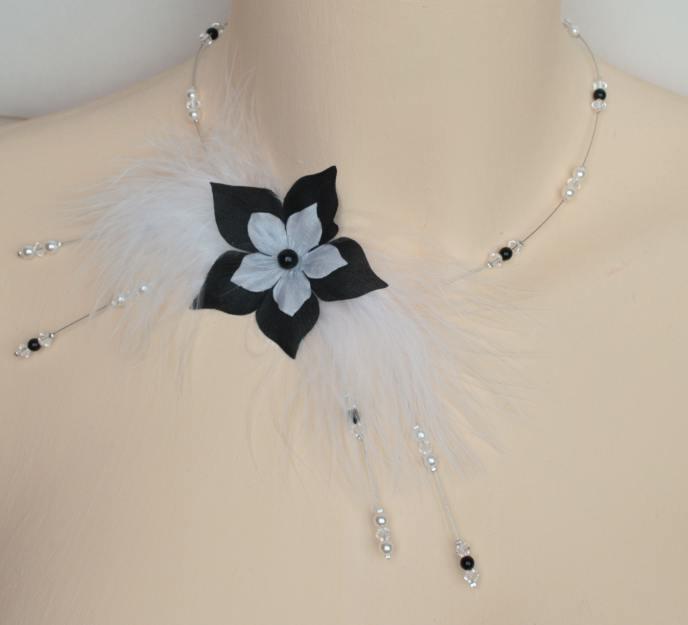 Collier mariage noir et blanc, fleur et plumes