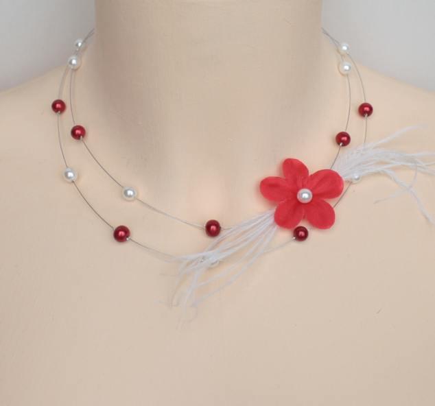 Collier mariage fleur et plumes rouge et blanc
