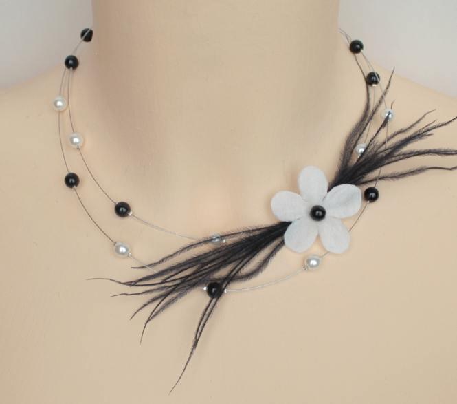 Collier mariage blanc et noir fleur et plumes