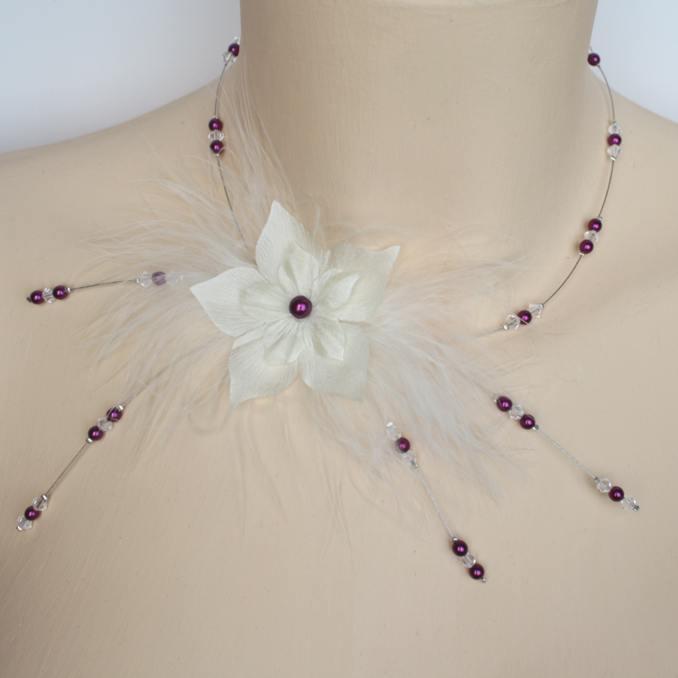 Collier mariage ivoire rose foncé fleurs plumes