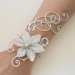 Bracelet_mariage_blanc_argent_fleur_métallisée
