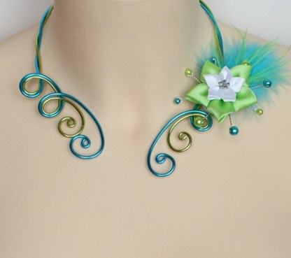 Collier mariage turquoise vert anis fleur