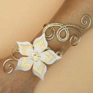 Bracelet mariage fleur ivoire et or