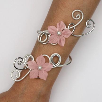 Bracelet mariage fleur rose blanc argent