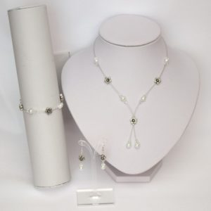Bijoux mariage fleurs métal blanc