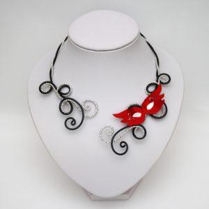 Collier mariage masque venitien noir argent rouge blanc