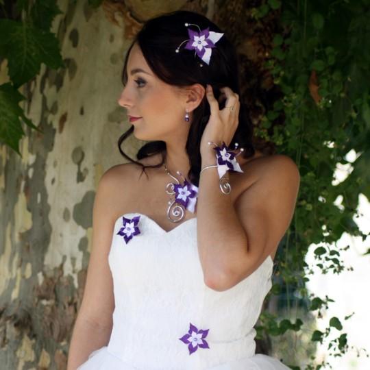 Bijoux mariage fleur blanc violet