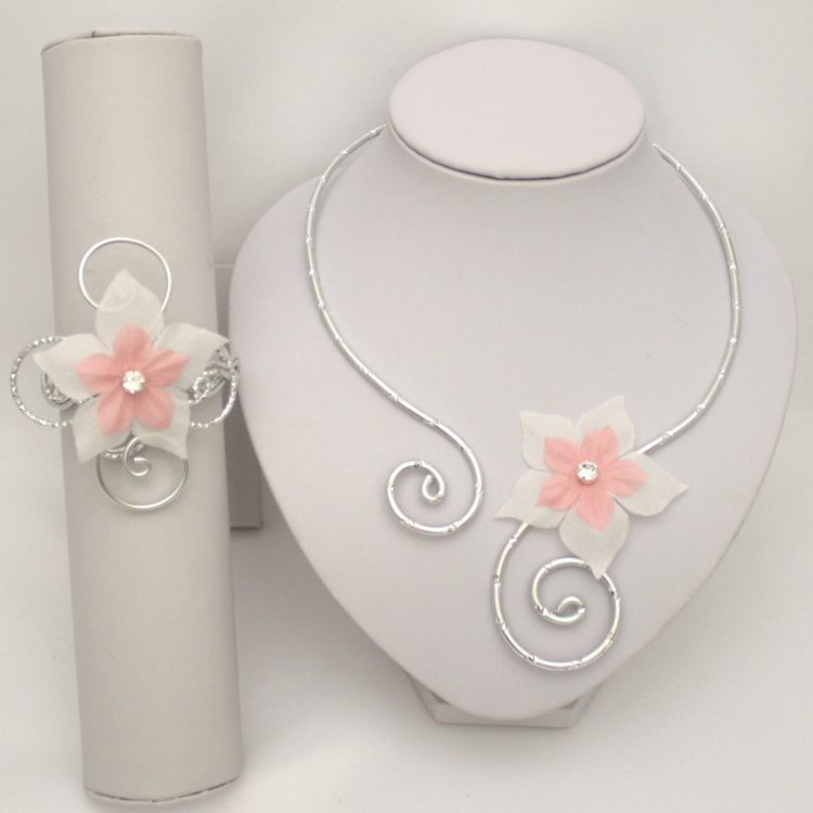 Bijoux mariage fleur blanc et rose