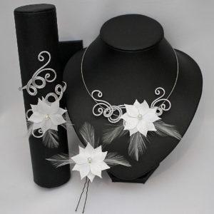 Parure mariage fleur et plumes blanches